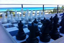 TABLERO GIGANTE DE AJEDREZ  / Tablero gigante de ajedrez con vista al mar  / by Flamingo Cancun Resort
