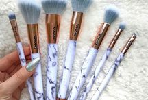 Marble brushes
