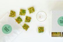 Les Créations / Infusions en sachet / Composées par notre trio d'Experts - une Chef, un expert en plantes et une « aromagicienne », nos Créations d'infusions à base de plantes 100% bio se dégustent comme autant de mélanges gourmands aux bienfaits éprouvés.