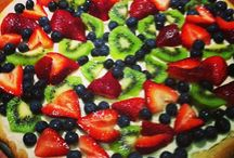 Sweet treats I've liked / by Lindsay Compton