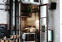 cafés-restaurants-shops