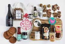 The Food Purveyor Christmas Hampers / The Food Purveyor has searched high and low to bring you the best in Christmas from our region to your table. Savoury treats to delight the senses and sweet delights to bring all the memories of Christmas back. The Food Purveyor has even sourced locally made candles and artisan food boards as well as local wines, beers and ciders.