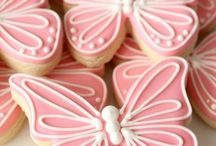 Butterfly Sweets / We hate to admit we have a sweet tooth but we do! And we know sugar is not good for us. However, every now in again we feel the need to bake something sweet to eat. Nothing finishes off a great meal as a little bite size of candy colored cupcakes or rich rich chocolate cookies. Whatever grabs your eye, we've got a fantastic collection of sweet sweet eats!