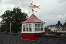 Sundance Series Cupolas / The Sundance Series Cupolas are crafted using cellular pvc-vinyl with a metal roof and base and can match most building color combinations.