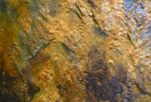 The beauty of natural stone / Cactose uses natural stone for all its fountains and water wall. The schist is a thousand-year-old-stone full of colors, with green and brown pigments. (see all products on www.cactose.fr)
