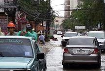 Stortregen zorgt voor overstromingen op Phuket