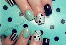 Pretty Nails / by Ashley Gravely