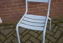 Grijs / Mooie interieuritems en inspiratie, brocante, industrieel en vintage in grijstinten. Meubelen zoals kasten, tafels en stoelen en accessoires. www.grijsengroen.nl