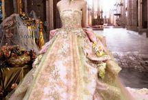 素敵な披露宴のドレススタイル