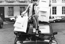 Wnętrza,gadżety,stylowe Kobiety i szybkie samochody -czyli składowe pięknej całości