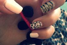 White&leopard Nails / Nails