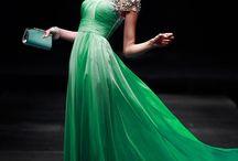Vestidos verdes.