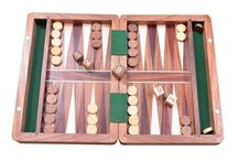 Wooden BACKGAMMON Sets from chessbazaar India / Made in India by our quality backgammon artisans, Amritsar, this fantastic wooden backgammon set offers quality materials and gorgeous design. Inside the playing field is made from wood (not inlaid) and features a stylish fit and finish, with perfectly contrasting brown and oak stones. The playing stones and dice are made of sheesham and box wood.