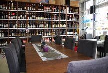 VINOTÉKA - KAVIAREŇ - DARČEKOVÝ obchod IN MEDIO Bratislava , Hradská 78/B , tel. 02 4552 3547 / #wine #wineshop #vinoteka #obchodsvinom #wein #vino #coffee #kaviaren #beer #pivo #kava #deli #delishop #delikatesy #delkatessen #bratislava #slovakia #slovensko