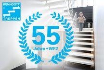 """Kenngott-Treppe (WF2 - die wandfreie Zweibolzentreppe) / Die Treppe feiert Jubiläum!  Die erste bauaufsichtliche Zulassung für das KENNGOTT-Treppensystem hat Hans Dieter Kenngott bereits im Juli 1962 durch das Innenministerium Baden-Württemberg erhalten.  Unter der Bezeichnung """"WF2-Treppe"""" wurde dieses Konstruktionsprinzip genormt und stetig verbessert. Die KENNGOTT-TREPPE ist eine selbsttragende Konstruktion, ohne Wangenelemente oder tragende, großdimensionierte Handlaufholme. Das Treppenauge ist frei und transparent."""