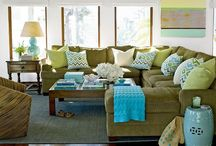 Living Rooms/Family Rooms / by Terri Faucett