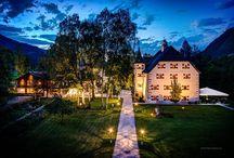 Hochzeits-Locations Salzburg / Heiraten in der Mozartstadt! Aufgrund der malerischen Altstadt bietet sich Salzburg perfekt für den schönsten Tag im Leben an. Neben zahlreichen Hotels, ist auch das Schloß Hellbrunn eine beliebte Salzburger Hochzeits-Location. Aber auch das Salzburger Land - von den Bergen bis zu den Seen - bietet viele Möglichkeiten: Burgen oder urige Kuhställe aber auch luxuriös ausgestattete Hochzeitsalmen u.v.m. Mehr: http://hochzeits-location.info/heiraten/salzburg