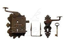 Ironware / Ferramenta anticata speciale per serramenti esterni ed interni di prestigio