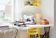 Sewing corner / Inspiration to create the perfect sewing and creative space.  Sewing corners, craft benches and studio spaces to inspire