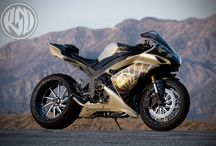 Motorcycles / by Andre Heinemann