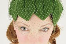fiori e cappellini / alla ricerca dei 7 cappellini floreali più belli esibiti negli eventi chic del giardinaggio e non solo #giardinoindiretta #fiori #altrigiardini #altrigiardinieri