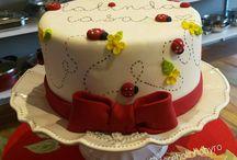 bolos e decoração de joaninha