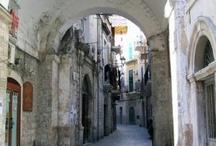 """Bari / Foto, immagini e della città e della provincia di Bari. Pubblica anche tu sulla nostra board """"Bari"""" di Pinterest."""