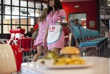 EB diners / Restaurant in the style of those 50 years. Designing and sewing clothes for employees.