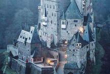 Castles & Châteaux