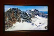 Holografisches Natur-Raum-Tiefen-Bild aus 2D-Bild-Information / Die TV-Prototypen RWV-2010 und 2020 aus der Schweiz sind weltweit die Einzigen, die dass neue holografische Natur-Raum-Tiefen-Bild zeigen können, und zwar ohne Spezialbrille und auch mit nur einem Auge sichtbar (monoskopisch). Das Bild ist automatisch sichtbar. Das Bild wird in einem sogenannten Hollo-Loch gezeigt. Das Schweizer-Produkt ist natürlich im Patent. Wir konnten den Prototyp RWV-2020 aus der Schweiz an der 44.Erfindermesse in Genf 2016 ausstellen.