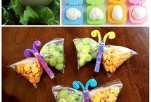 svačinky pro děti / hraní s jídlem