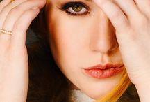 Katherine McNamara♢