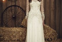 Top British Wedding Dress Designers / Dresses by the hottest names in British design including; Jenny Packham, Sassi Holford, Suzanne Neville, Charlie Brear, Ian Stuart and many more