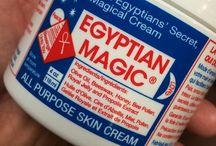 Cine folosește Egyptian Magic?
