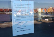 PR. / Handelsonderneming Watersport4all. http://watersport4all.nl Dekkleden | Zeildoek | Spandoeken en Frames | Vlaggen en Banieren | Vlaggenmasten | Hijs en Sjorbanden | Partytenten | Strokengordijnen | Zeilmakers artikelen | Boothuis - Boothuizen | Nautische stoffering | Watersport | Schaatsen slijpen | Stickers en Belettering.