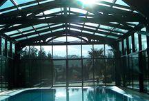 Piscinas cubiertas / Piscinas cubiertas AQUATIC® monta la primera cubierta en 1980  http://aquaticproyect.com/cubiertas/