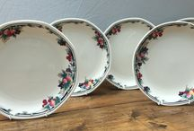 Royal Doulton / A selection of Royal Doulton discontinued tableware available from MrPottery.co.uk.