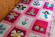 Children's blankets / Knitted or crocheted