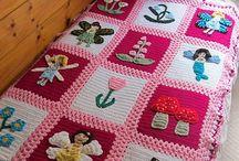 Children's blankets / Knitted or crocheted