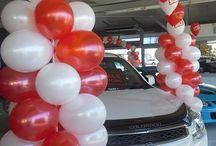 Car yard balloons
