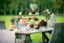 Table Settings & Picnics