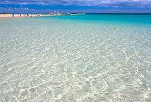 Coral Bay / A beautiful holiday spot.