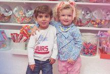 Candy Land / Candyland es nuestro grupo  inspirado en las innumerables tiendas de caramelos de la ciudad, donde los niños ven un mundo lleno de magia y colorido.