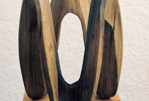 Spiral wood carving. / Spiral wood carving.