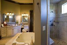 Ma salle de bain / Dream baths! / by Amber Demery