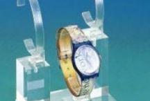 Espositori in plexiglas per orologi e cronografi / Cavalierini espositivi in materiali plastico per orologi, ideali per l'allestimento delle vetrine di gioiellerie e oreficerie http://www.manfredini-gp.it