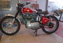 ANOMALIE / costruzione motociclette ed accessori per moto