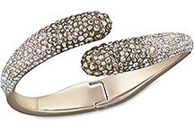 jewelery / nude stones bangle