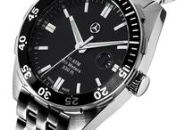 Η ώρα είναι...Mercedes-Benz! / Διάλεξε το ρολόι που σε αντιπροσωπεύει και νιώσε στο χέρι σου τα υψηλής ποιότητας υλικά που χρησιμοποιεί η Mercedes-Benz στους χρονογράφους της!