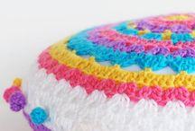 Cuscini uncinetto colorati